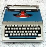 Magpie Monday - portable typewriter